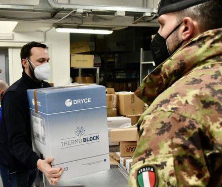 Vaccini Moderna ieri in arrivo per la Regione Toscana