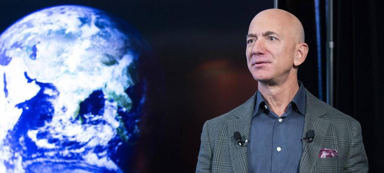 Il presidente esecutivo di Amazon, Jeff Bezos, 57 anni. Il secondo più ricco al mondo: ha un patrimonio di 200 miliardi di dollari