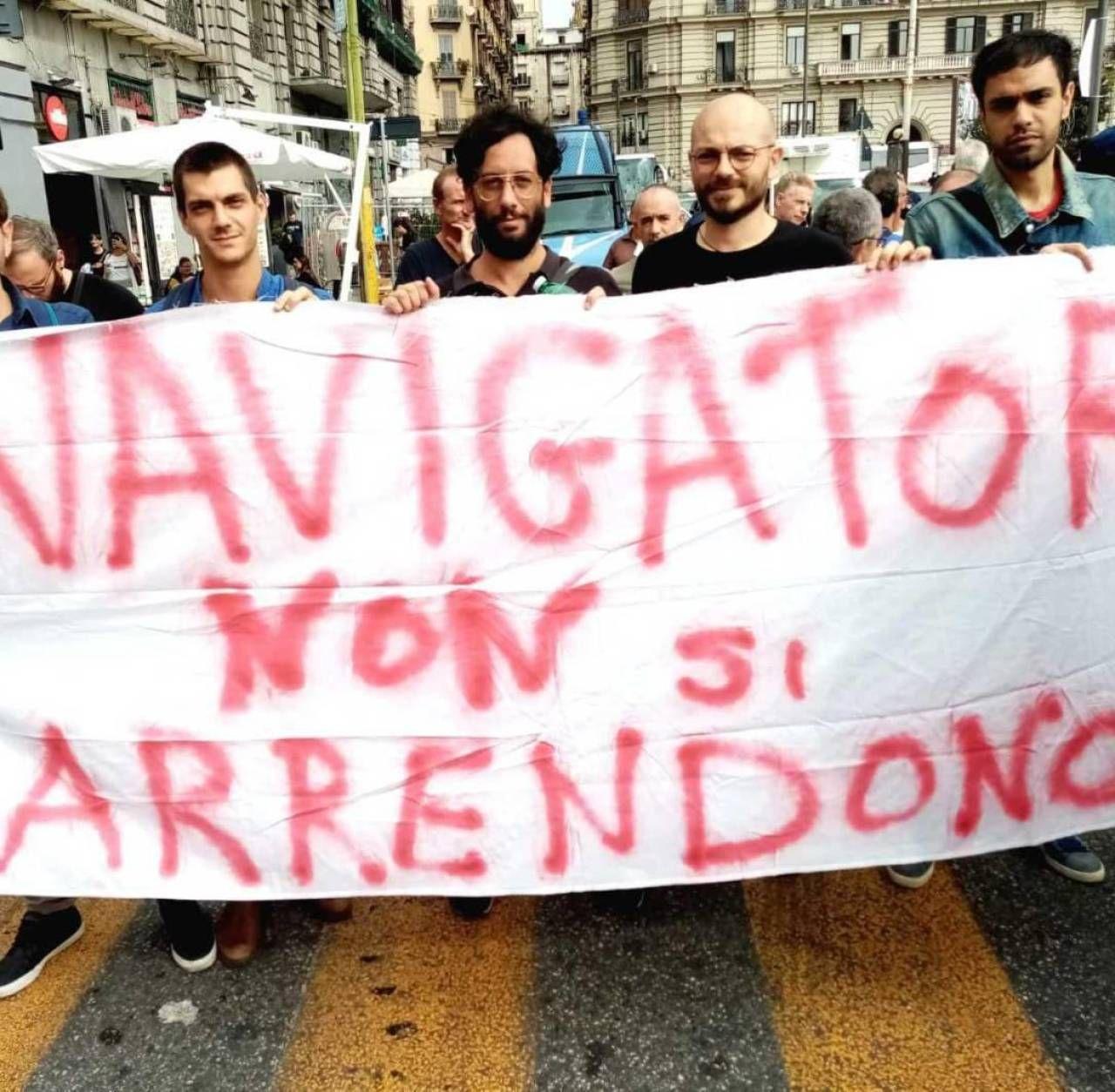 Una recente protesta di navigator. , le figure che dovrebbero aiutare chi riceve il Reddito di cittadinanza a trovare lavoro: saranno uno dei nodi da sciogliere