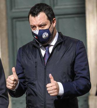Il segretario della Lega Matteo Salvini, 47 anni, all'uscita da Montecitorio