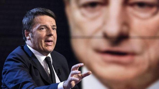 Matteo Renzi, 46 anni, è stato premier dal. 2014 al. 2016 (sullo sfondo Mario Draghi). Ex segretario Pd, ora è leader di Italia Viva