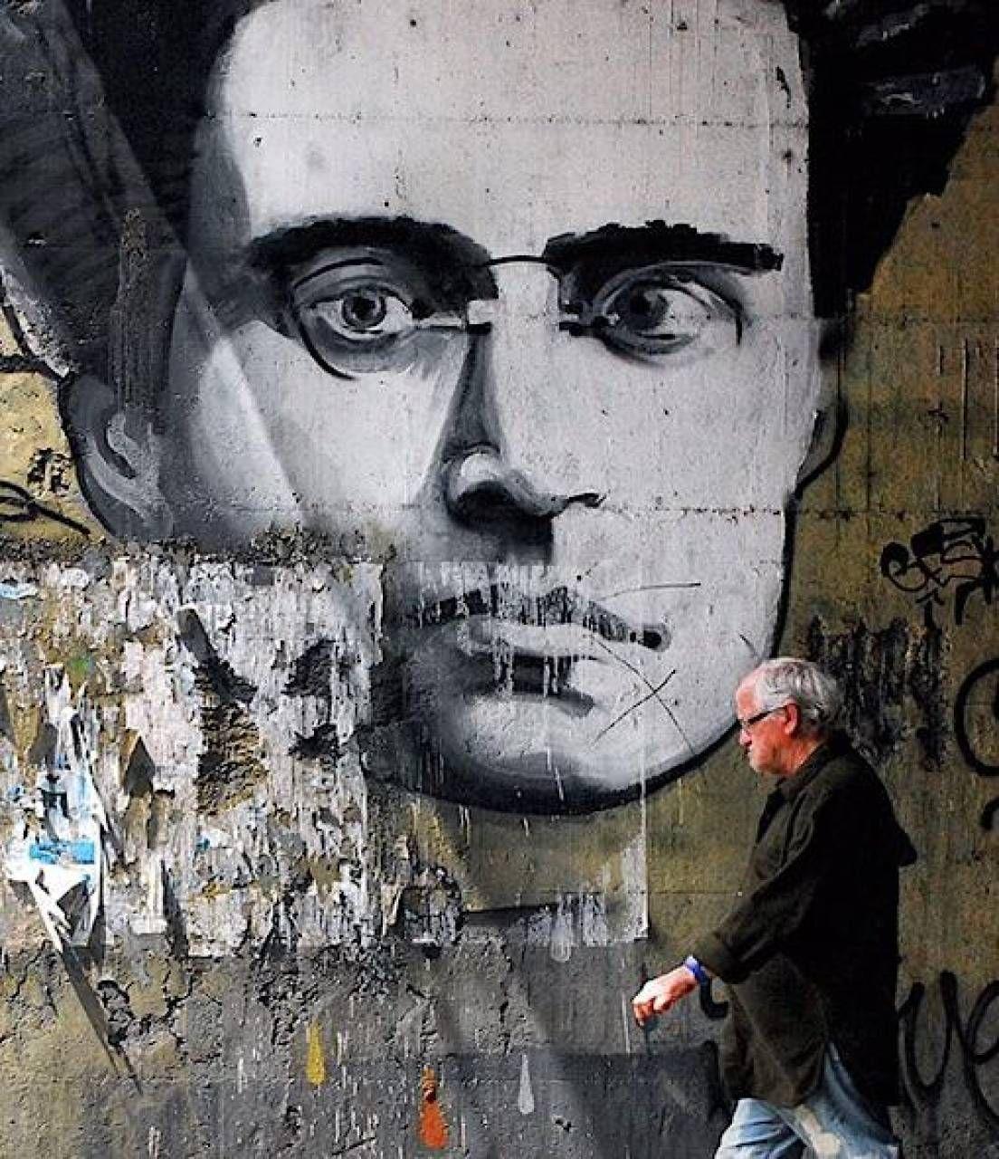 Antonio Gramsci in un murale. Il 22 gennaio ricorrevano i 130 anni dalla nascita