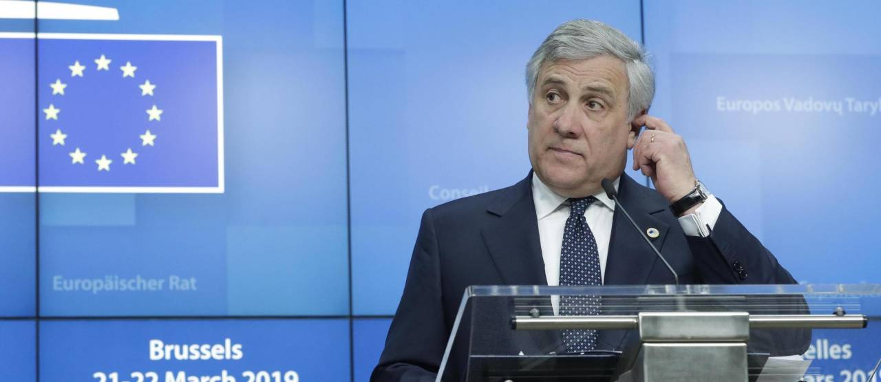 Antonio Tajani, classe 1953, numero 2 di Forza Italia, è anche vicepresidente del Partito popolare europeo