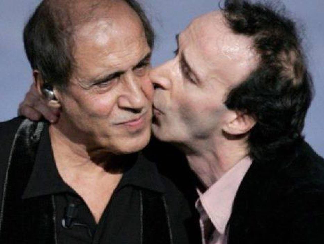 Adriano Celentano (83 anni) con Roberto Benigni (68 anni). Sotto, Amadeus