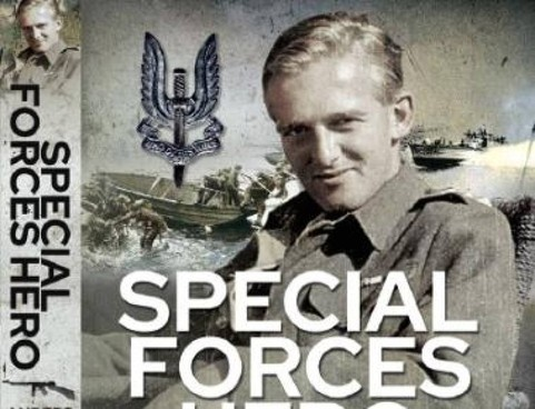 La copertina del libro dedicato a Anders Lassen, soldato caduto a Comacchio alla. fine della guerra