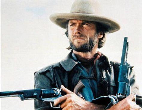 È andato all'asta nel luglio scorso il revolver 1847 Colt Walker di Clint Eastwood nel film Il texano dagli occhi di ghiaccio (1976)