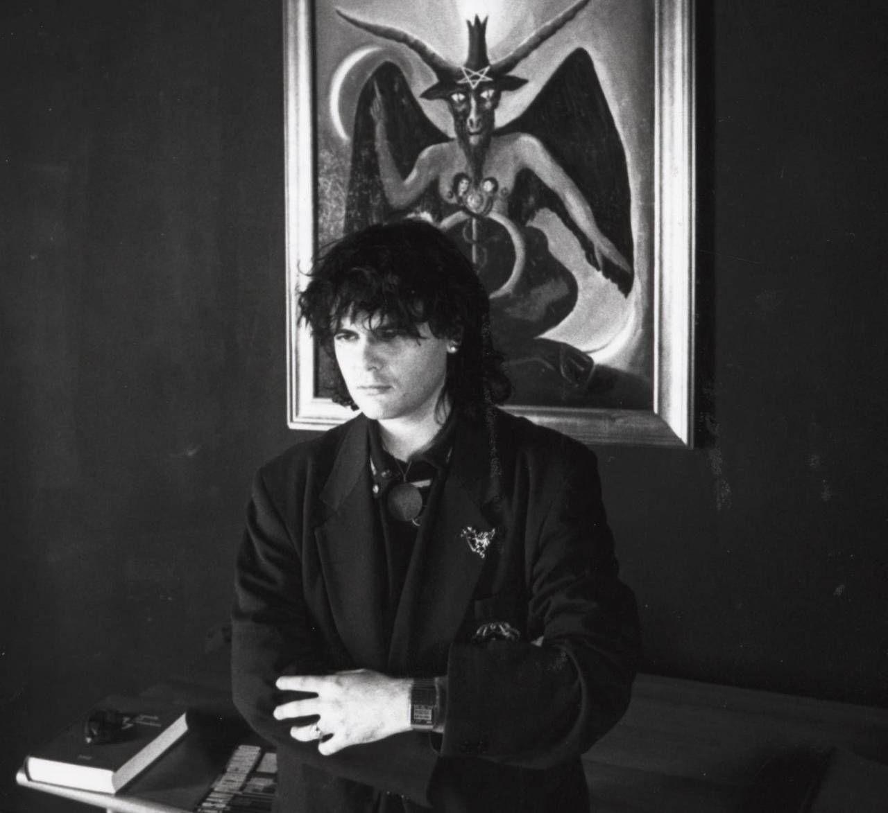 Marco Dimitri era nato a Bologna il 13 febbraio del 1963. Rimase orfano all'età di 14 anni