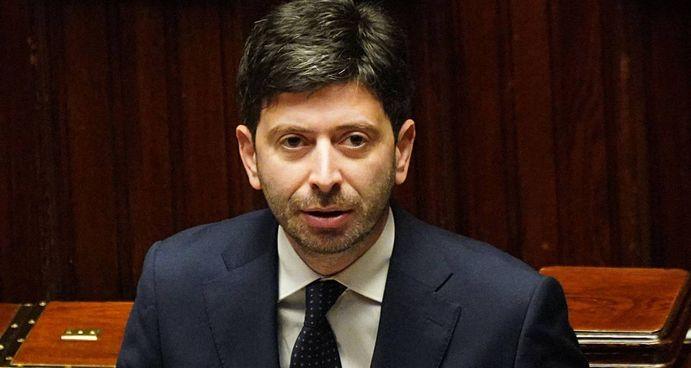 Il ministro della Salute, confermato nel nuovo governo, Roberto Speranza, 42 anni