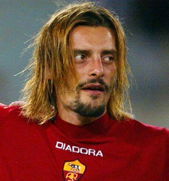 Luigi Sartor, 46 anni, ha giocato in molte squadre, dalla Juventus alla Roma