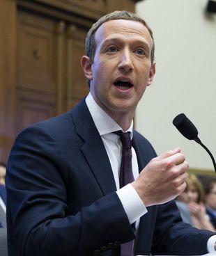 Mark Zuckerberg, 36 anni, è amministratore delegato e presidente di Facebook
