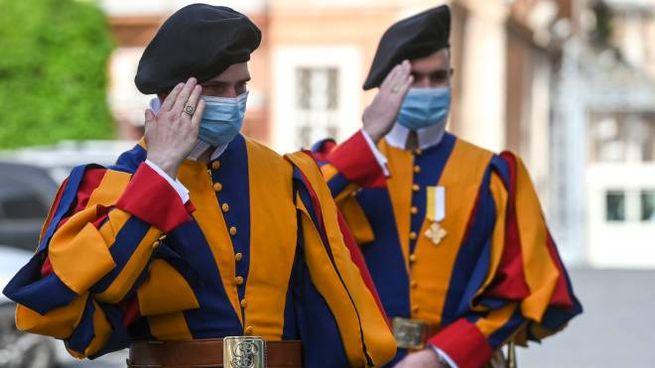 Due guardie svizzere (Imagoeconomica)