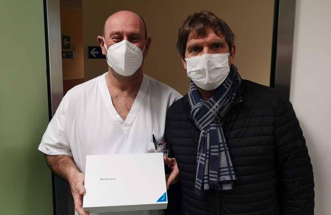 """La consegna del tablet alla Medicina Covid del """"San Luca"""""""