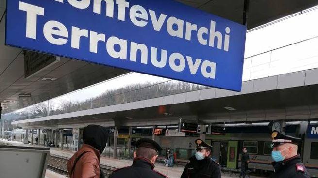 Carabinieri in azione in stazione a Montevarchi