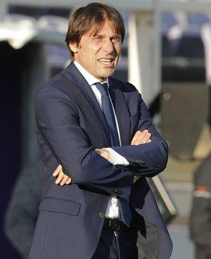 Antonio Conte, 51 anni, tecnico dell'Inter, aveva affidato al manager 24 milioni in cambio di lauti guadagni