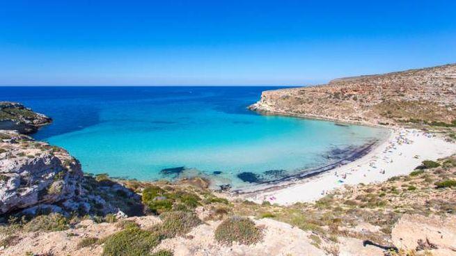 La spiaggia dei Conigli a Lampedusa, eletta fra le più belle del mondo