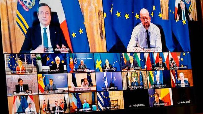 Mario Draghi interviene al vertice Ue sulla pandemia da Covid (Ansa)