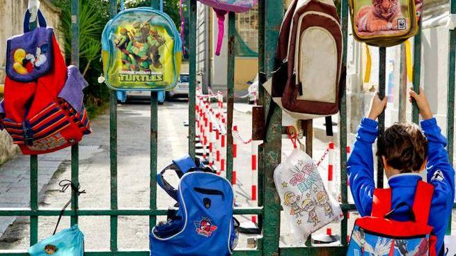 A Napoli scuole chiuse (Ansa)