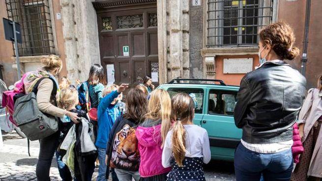 Roma, scuole elementari (Ansa)