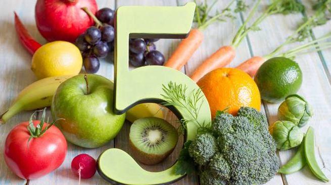 La formula della salute prevede 5 porzioni quotidiane di frutta e verdura