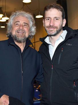 L'ex comico Beppe Grillo, 72 anni,. e Davide Casaleggio, 45, presidente di Rousseau