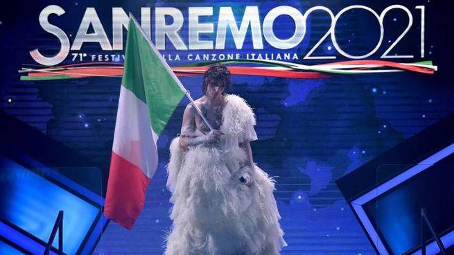 Sanremo 2021, Achille Lauro e Fiorello (Ansa)