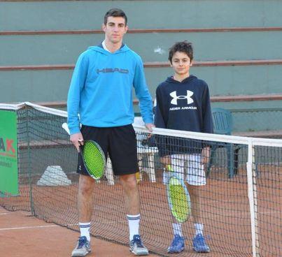 A sinistra i finalisti del torneo spezzino Under 16 Masotti e Pugliese e, a destra, dell'Under 14 Borzonasca e Andreazzoli