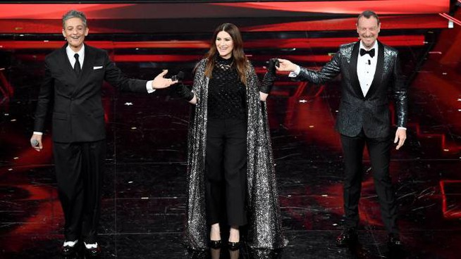 Fiorello, Laura Pausini e Amadeus a Sanremo 2021 (Ansa)