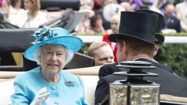 La Regina ignora i veleni di Meghan