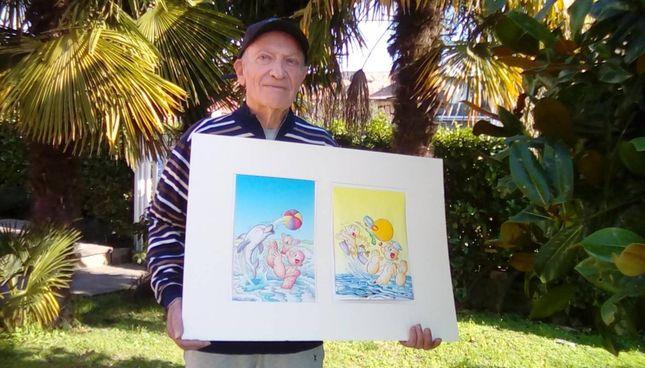 Pierluigi Sangalli, 82 anni, con alcuni dei suoi disegni di Braccio di Ferro