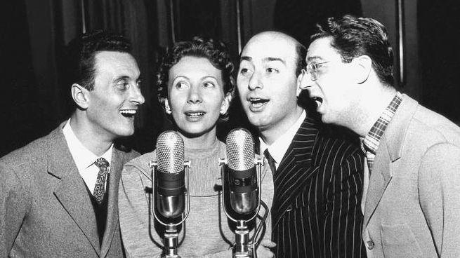 Da sinistra: Giovanni ''Tata '' Giacobetti, Lucia Mannucci, Felice Chiusano e Virgilio Sav