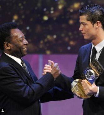 La foto postata da Pelè per omaggiare Cristiano Ronaldo e i suoi 770 gol in carriera