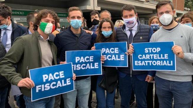 Manifestazione della Lega contro il pagamento della cartelle fiscali