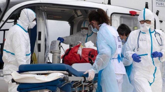 Un'ambulanza in Francia (Ansa)