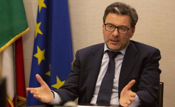 Il ministro dello Sviluppo economico, Giancarlo Giorgetti, 54 anni