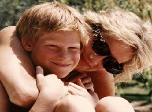 ll principe Harry, oggi 36enne, alla morte di lady D aveva 12 anni