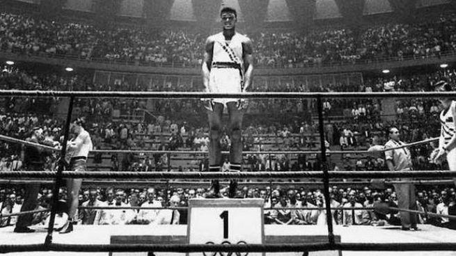 Roma, Olimpiadi 1960: Muhammad Ali (allora ancora Cassius Clay) vince l'oro