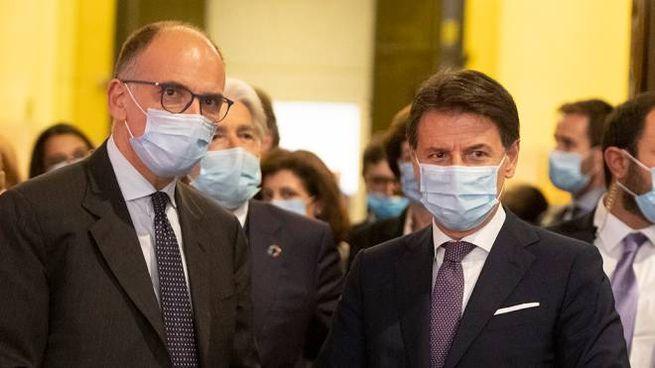 Enrico Letta e Giuseppe Conte (foto Imagoeconomica)