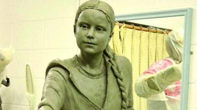 Statua di Greta Thunberg