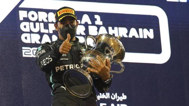 F1, Lewis Hamilton sul podio in Barhain (Ansa)