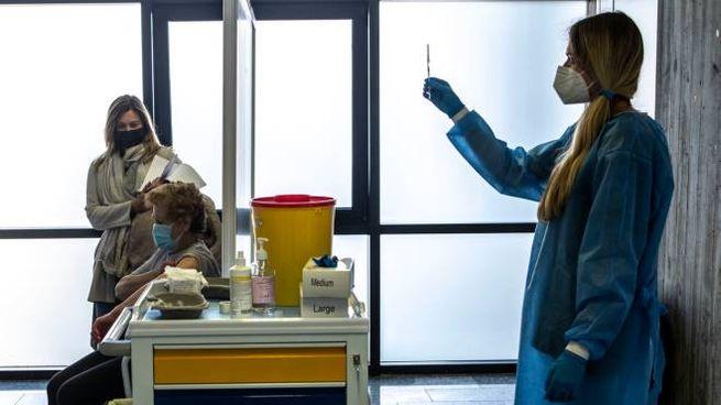 Vaccino Covid, il nuovo centro all'ex tribunale di Crema (foto Imagoeconomica)
