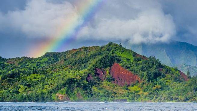 Gli arcobaleni alle Hawaii sono una vista comune