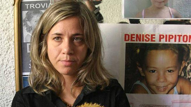 Piera Maggio con la foto della figlia Denise Pipitone (Ansa)