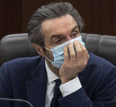Attilio Fontana è nato 69 anni fa a Varese. Ha presieduto fino al 2006 anche il consiglio regionale