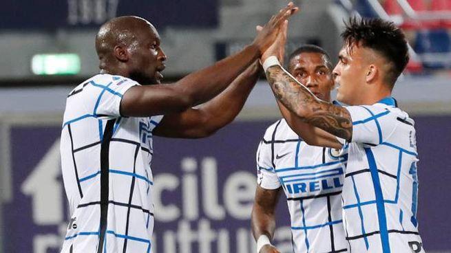 Lukaku e Lautaro festeggiano il gol