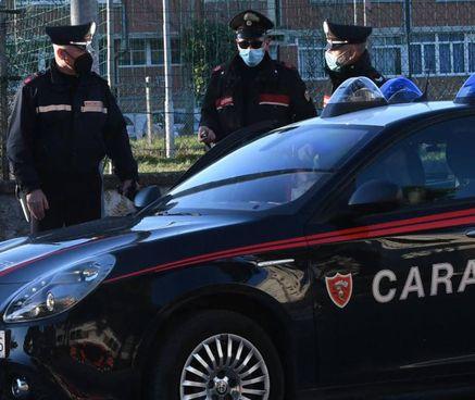 Il blitz dei carabinieri. dopo le segnalazioni dei cittadini