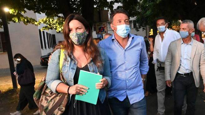 Isabella Conti e Matteo Renzi insieme a San Lazzaro la scorsa estate (Schicchi)