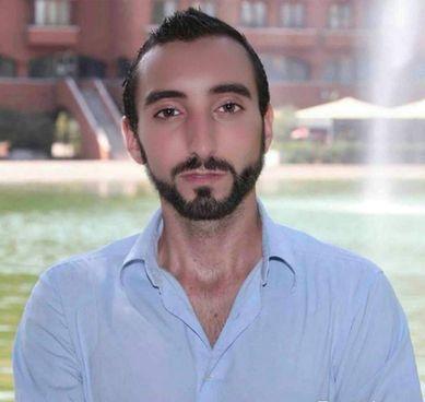 Stefano Bini, giornalista e conduttore televisivo, oggi alle 23.30 debutta su Rai 2
