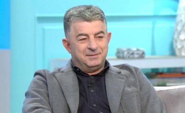 Giorgos Karaivaz, volto noto della tv ellenica, si occupava di cronaca nera. Lascia la moglie e un figlio adolescente