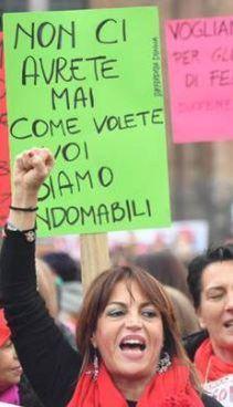 Una manifestazione contro la violenza sulle donne