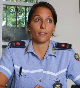 Lia Vismara, 32 anni, comandante della polizia locale di Corbetta. A destra, Salvatore Furci, 43 anni